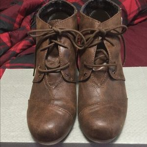 Nib Maurice's booties